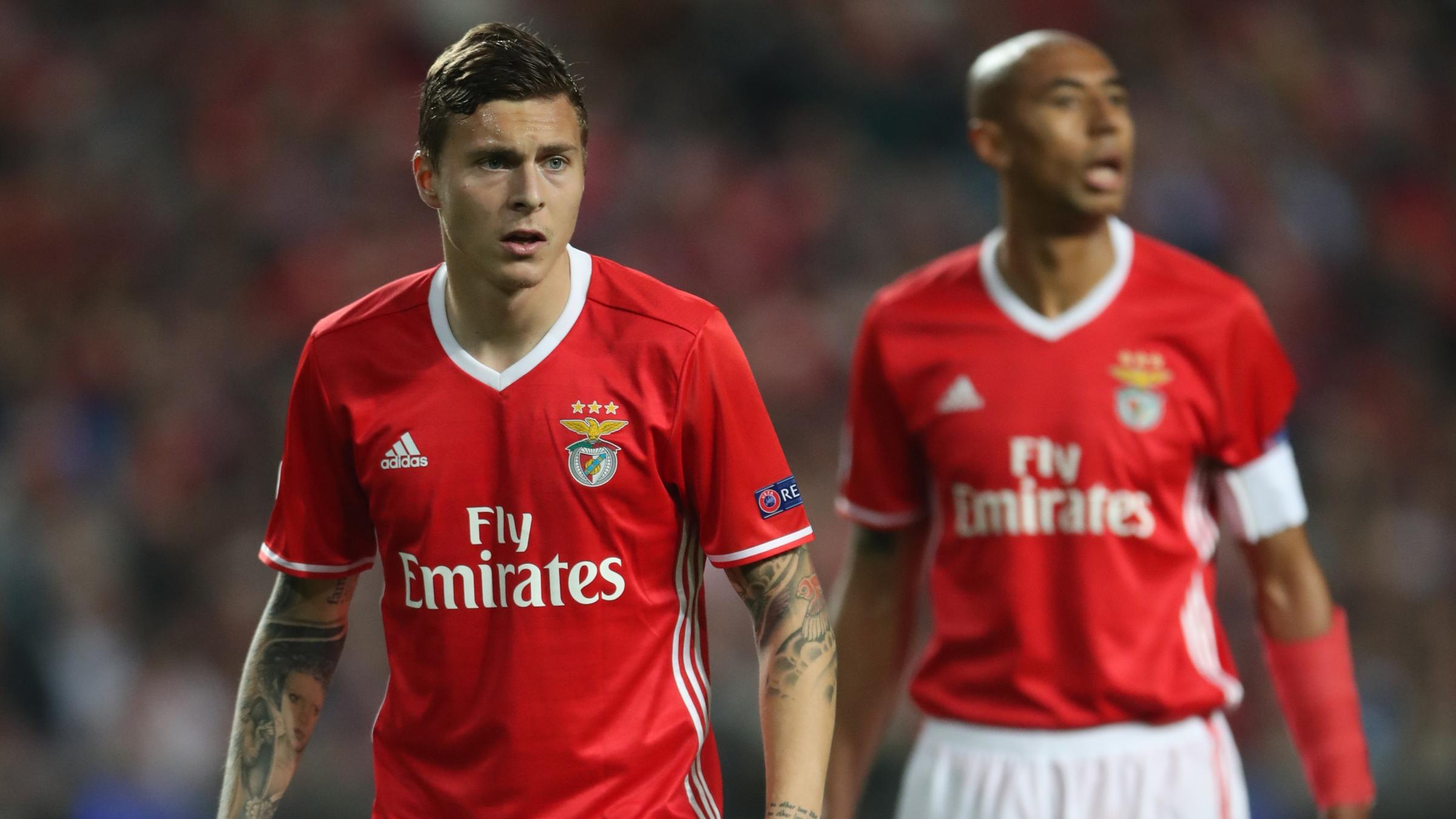 Victor Lindelof: Manchester United agree £31m deal for Benfica defender