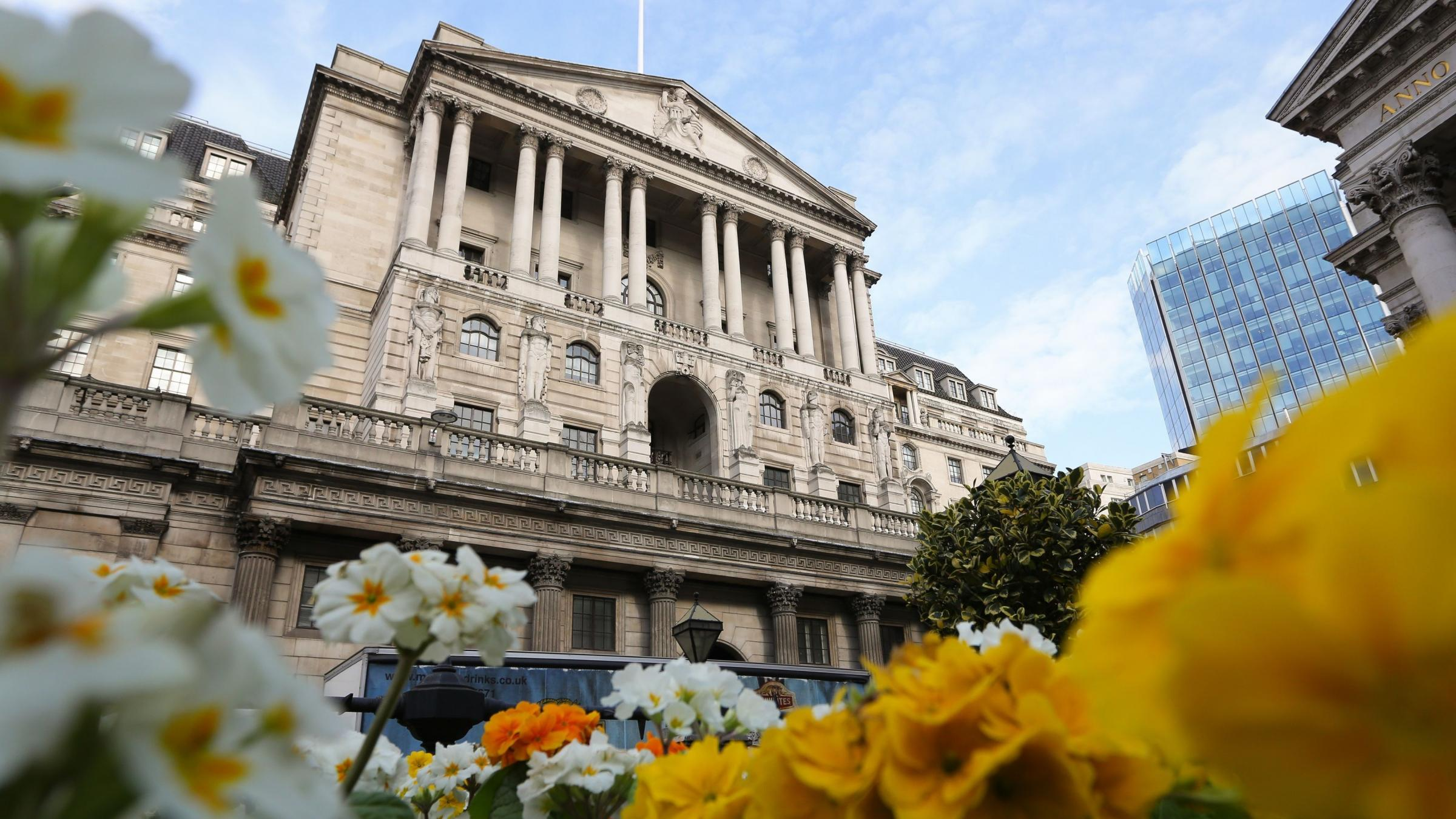 Bank of England policy split deepens as three officials seek rate hike