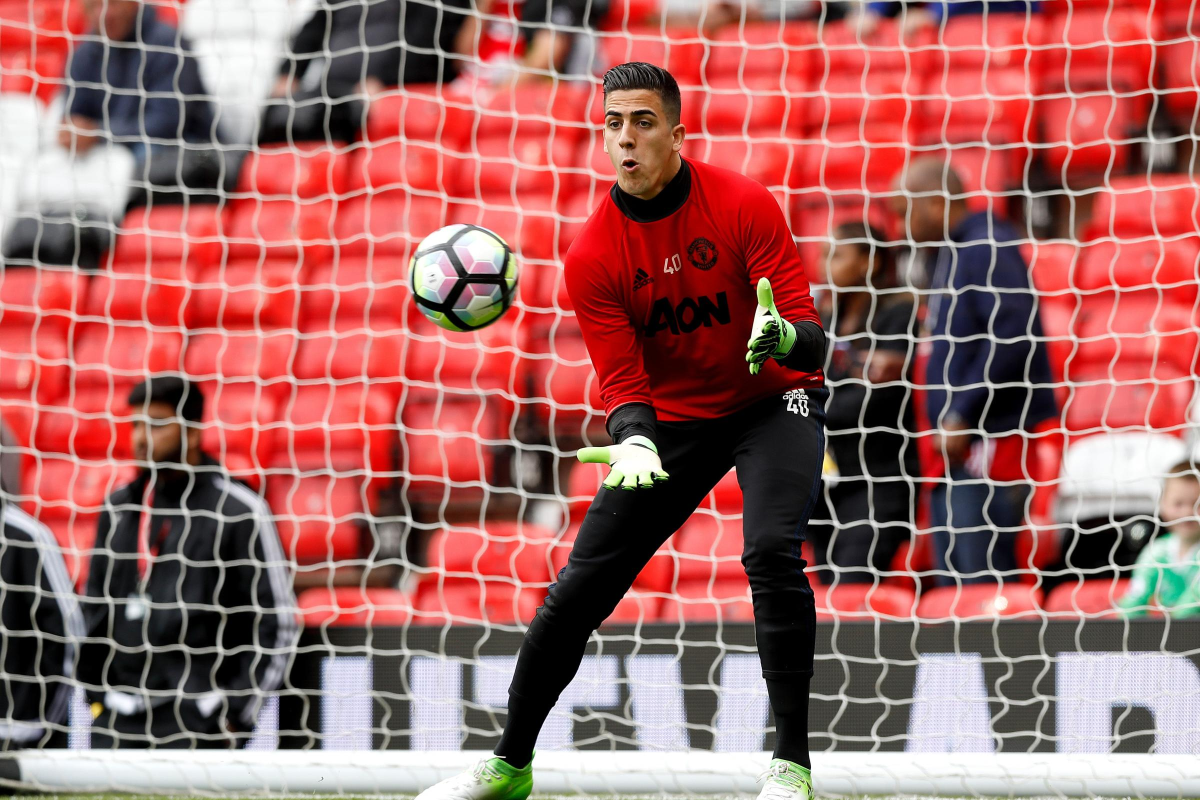 Manchester United's Joel Pereira joins Vitoria Setubal on loan